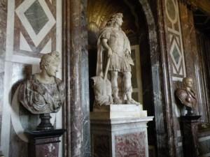 Louis statue