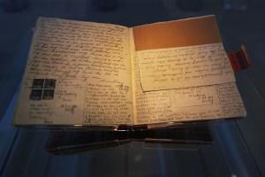 Diary close up Cris Toala Olivares