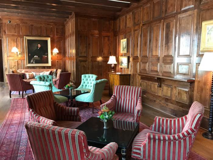 Hummingbird Lounge at Old Edwards Inn and Spa