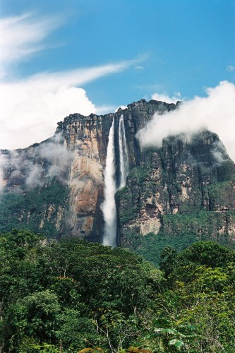 the-most-amazing-waterfalls-in-the-world