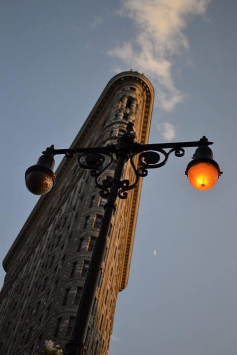 Flatiron building, The 5 Boroughs of New York, Exploring NYC off the beaten path, NYC, Boros, The Bronx, Queens, Manhattan, Brooklyn, Staten island, Brooklyn Bridge, The Mets, Yankees, baseball, highline, off the beaten track, alternative things to do, things to see in, information about the outer boroughs of new york, graffiti,