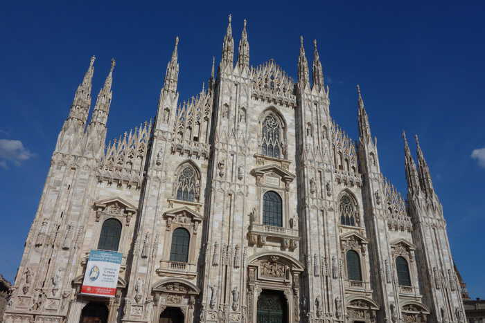 FREE things to see and do in Milan...This so called Expensive city on a budget, The Duomo, Piazza, Galleria Vittorio Emanuele II, Parrocchia di San satiro, Parco Sempione, Sforza Castle, Brera district, Como, italy, milan, milano, italia, free things to do in milan, italy on a budget, cheap holidays, things to do, things to see, what to do
