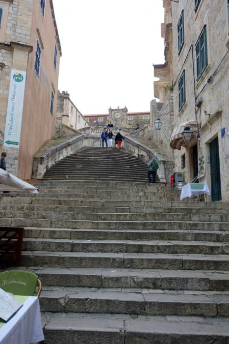 Discovering the real King's Landing on the Dubrovnik Game Of Thrones tour!, the red keep, joffrey death, the purple wedding, walk of shame, blackwater bay, belish, sansa, cersei, jaime, tyrion, lannister, scenes, where game of thrones was filmed, filming locations,