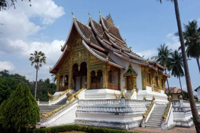 The temple town of Luang Prabang, Laos: Buddhism, Monks, Rivers and Rich Culture, Luang prabang laos, monks, alms giving, procession, views, temples, Vat Xieng Toung, Vat Khili, Vat Sibounheuang, Vat Sirimoungkhoun Sayaram, Vat Sop Sickharam, Vipassana temple, Phou Si, Chomsy Hill, Mekong, Nam Khan, bamboo bridge, sunset, sunrise, things to do in Luang Prabang, Attractions, sights, time to see monks, Vang vieng, Hanoi, Pakbeng, Slow Boat, Thailand, Chiang Mai, Chiang Rai, Hotel, Waterfall,