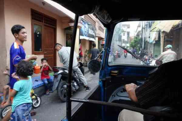 jakarta places to visit, jakarta points of interest, jakarta sightseeing, things to do in jakarta indonesia, places to visit in Jakarta, A guide to Jakarta, the surprisingly beautiful and interesting capital of Indonesia, Padang, Things to do in Jakarta, What to see in Jakarta, rickshaw, National Monument, Jakarta Cathedral, old town, colonial architecture, history, Istiqlal Mosque, National Museum, Jakarta History Museum, the museum of Fine arts,