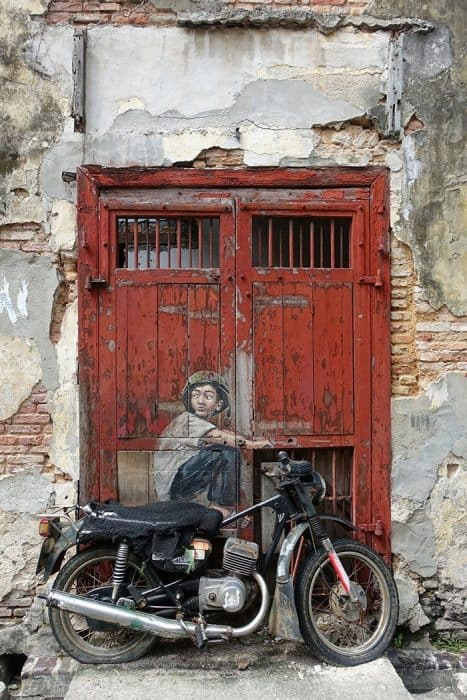 Penang Itinerary: What to do in Penang in 3 days. A Guide to this Beautiful & Historic Town in Malaysia: Motorbike street art, murals, George Town