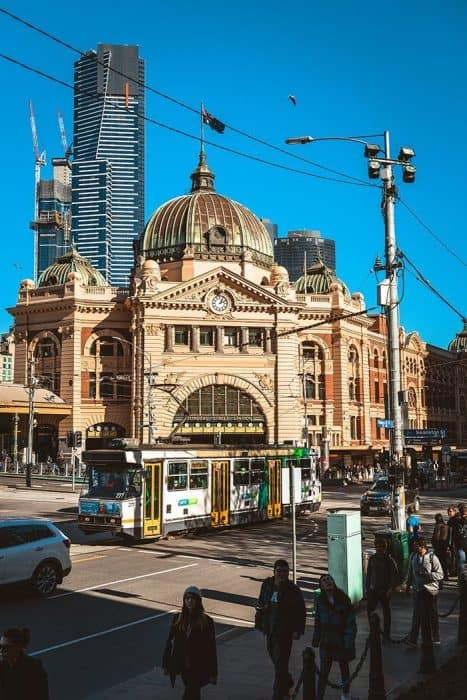 Melbourne 5 day itinerary: best places to visit in Melbourne. Flinders Street Station and Melbourne Tram.