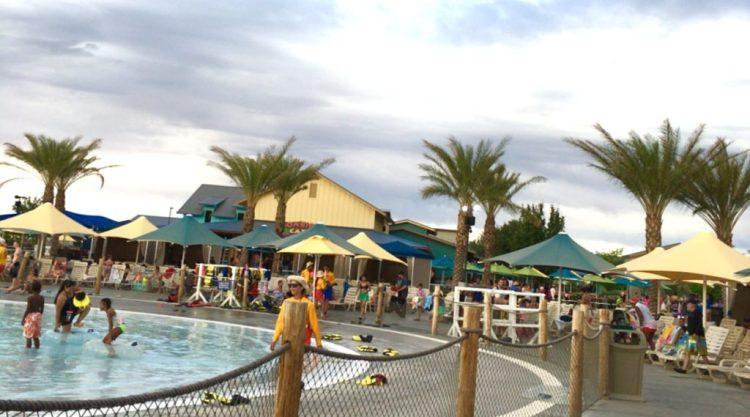 Wet 'n' Wild Las Vegas Red Rock Bay Summer