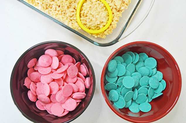 Easter Egg Rice Krispie Treats - Blue and pink candy melts