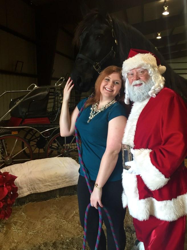 Santa Photos at Black Star Sport Horses | The Rose Table