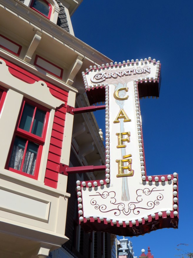 Disneyland Carnation Cafe Dining Review | The Rose Table