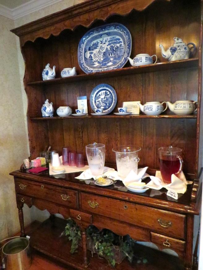 Inn on the River Glen Rose TX| The Rose Table