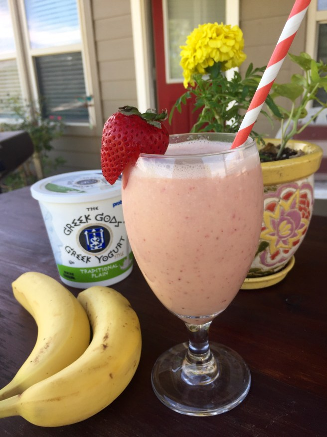 Tropical Strawberry Banana Smoothie | The Rose Table
