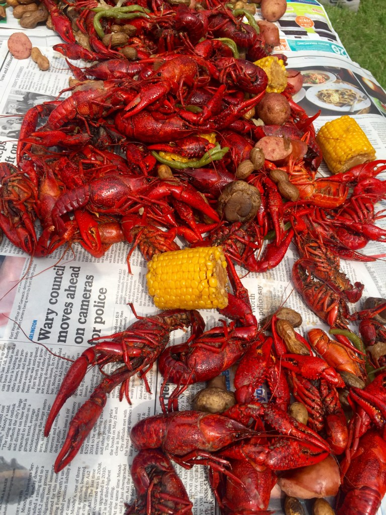 How to Host a Crawfish Boil | The Rose Table