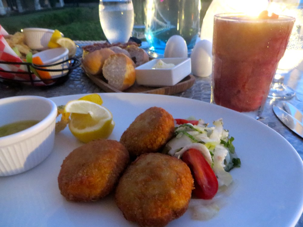 Crab Cakes at Alexandra Resort's Asu on the Beach in Turks and Caicos   The Rose Table