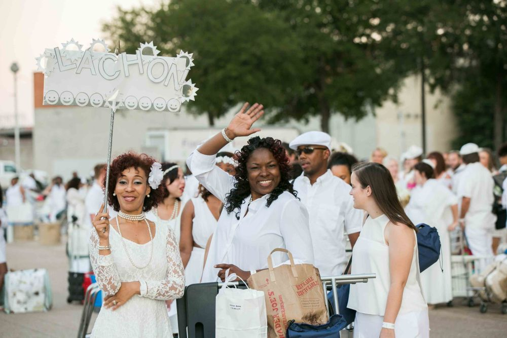 Photo by Justin Yoder Studios for Diner en Blanc Dallas 2016