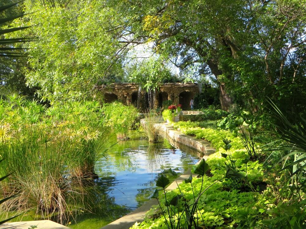 Dallas Arboretum and Botanical Garden | The Rose Table