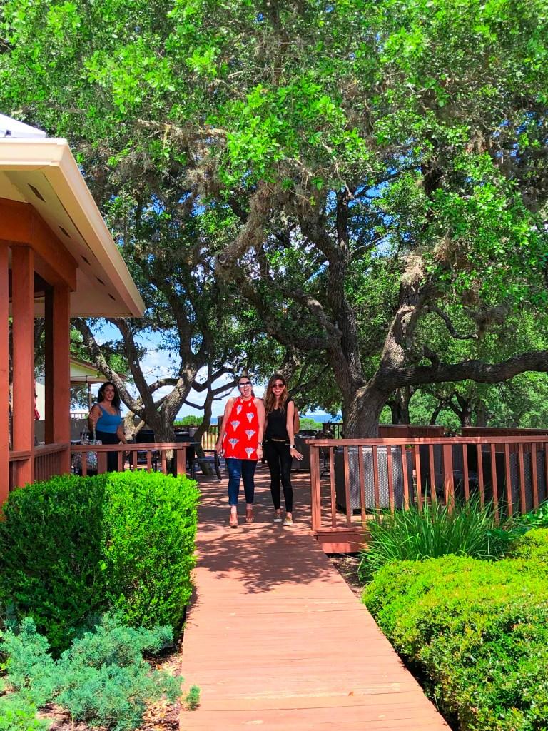 Pedernales Cellars Review, Best Vineyards Fredericksburg TX   the Rose Table