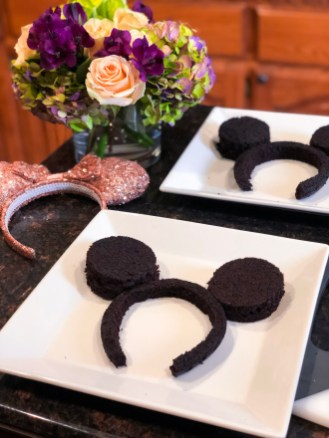 Mickey/Minnie Mouse Ear Cakes