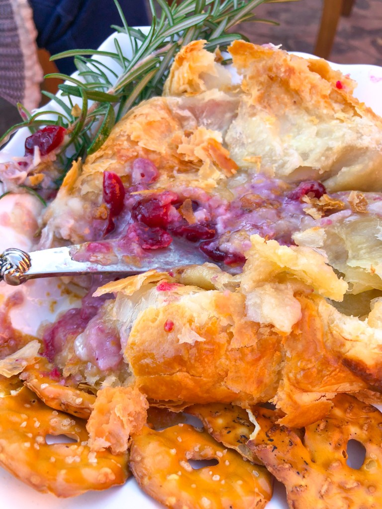 Cranberry Baked Brie, Christmas Appetizers