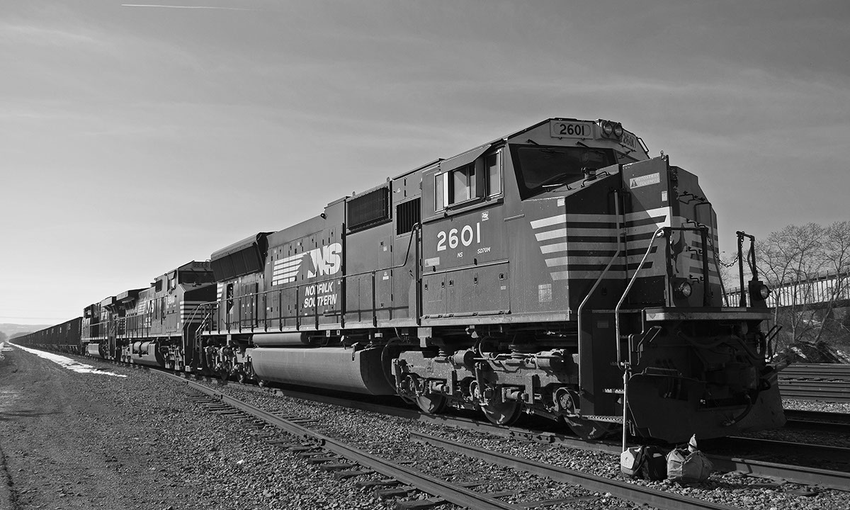 5 Railfan Dating Tips and Ideas - The Roundhouse
