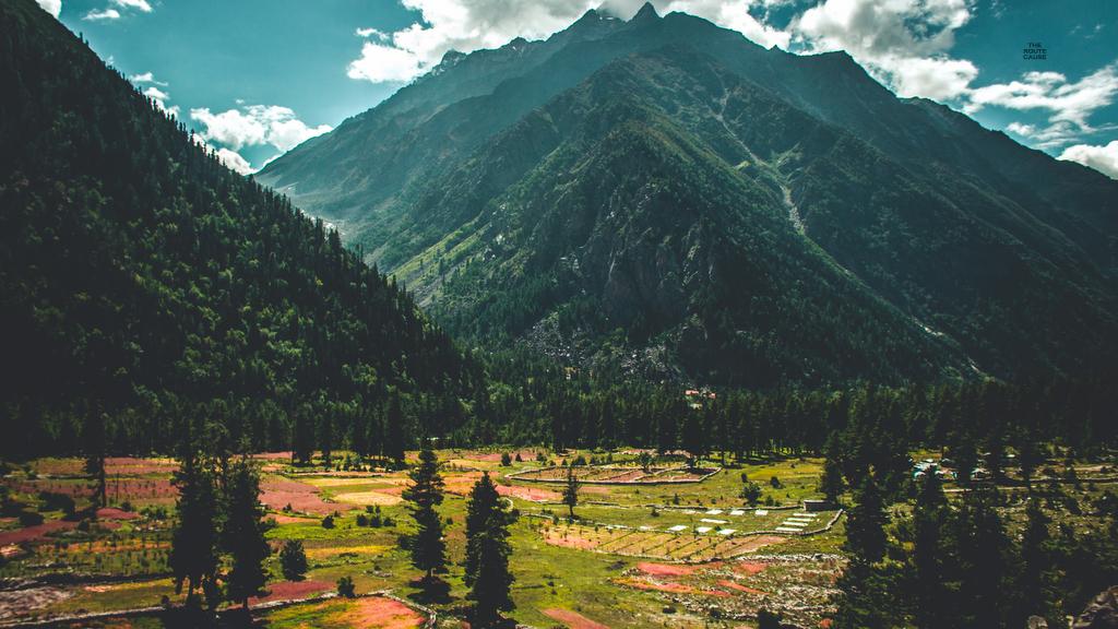 colourful baspa valley