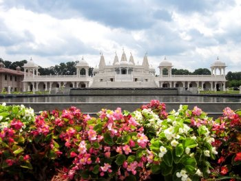 Hindu Mandir Atlanta - Front view of BAPS Atlanta