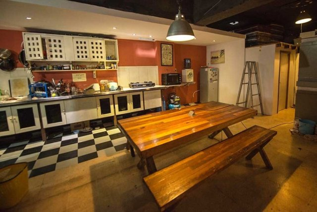 Six Degrees Backpackers Hostel -