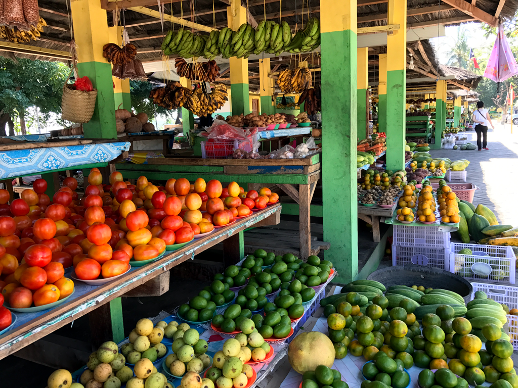 things to do in Dili - fruit market