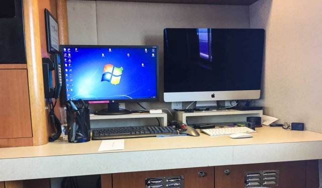 Turks and Caicos Aggressor - Photo station - both Mac and Windows workstations