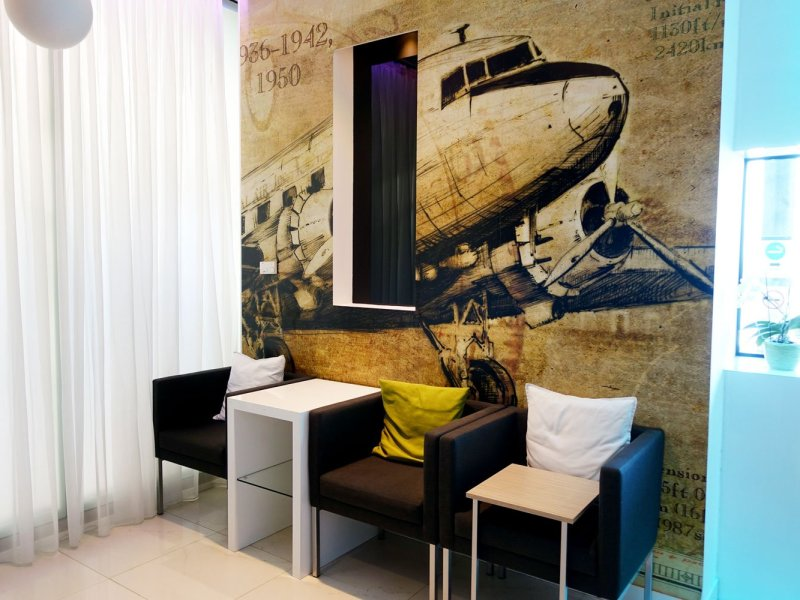 menzies aviation lounge budapest plane