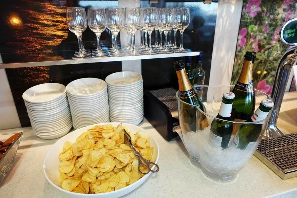 Self serve bar at OSL Lounge