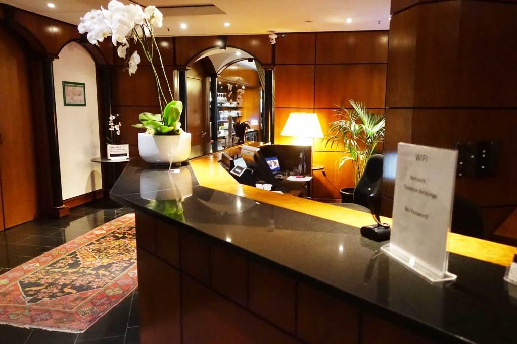 LuxxLounge frankfurt  reception area