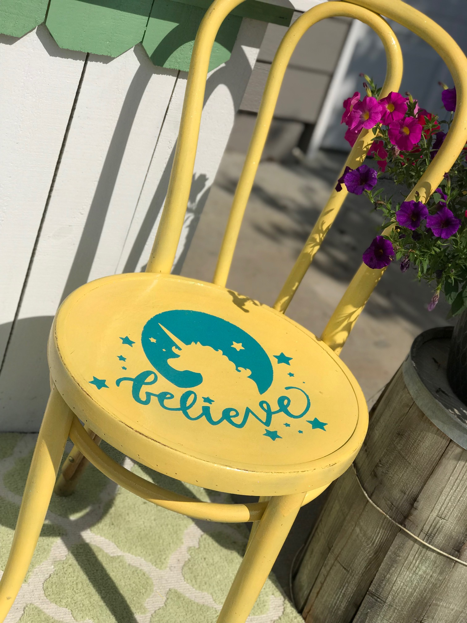 Quick and Easy Stenciled Chair Makeover Final