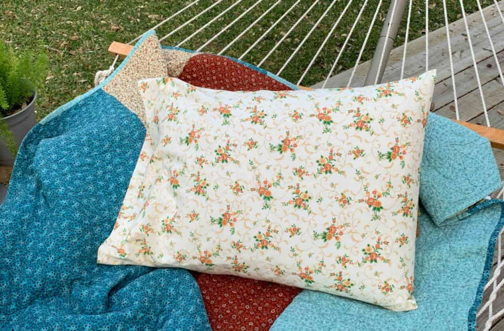 how to sew a simple pillowcase the