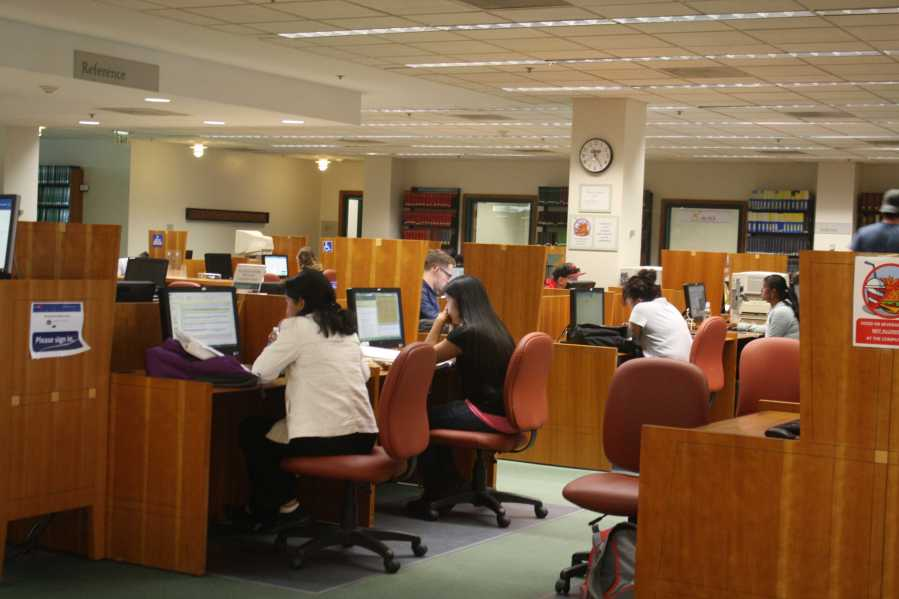 The Walter Stiern Library is one many resources available to CSUB students. Photo by Karina Diaz/The Runner