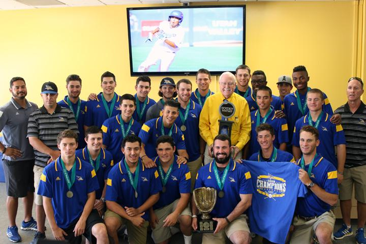The CSUB baseball team and Mayor Harvey Hall take photos with their Medals of Appreciation on and the WAC Tournament Championship at the Icardo Room on June 11. Photo by AJ Alvarado/The Runner