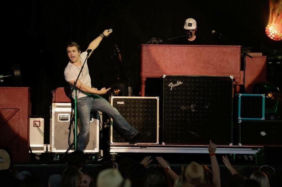Hunter Hayes performs in front of a crowd in Toronto.  Photo by hunterhayes.com