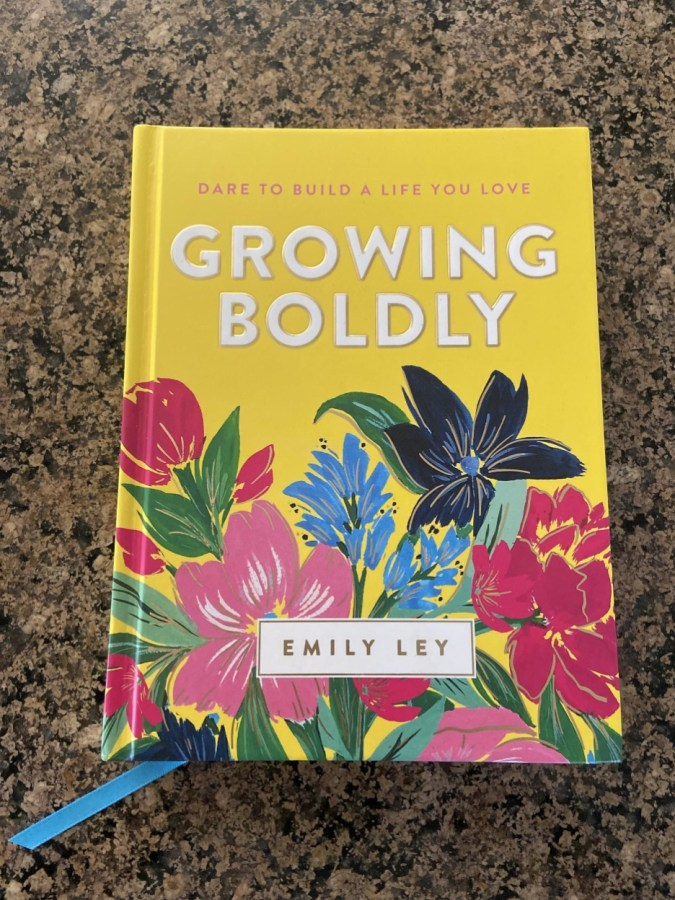 Book Review: Growing Boldly by Emily Ley