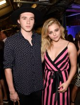 Chloe-Grace-Moretz-Brooklyn-Beckham-2016-Teen-Choice