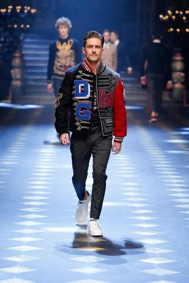dolce-and-gabbana-fall-winter-2017-18-men-fashion-show-runway-17