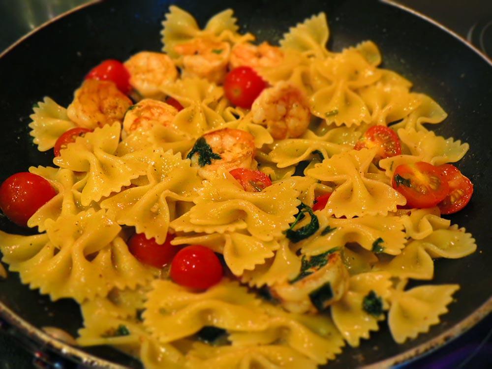 cooking-pasta-shrimp
