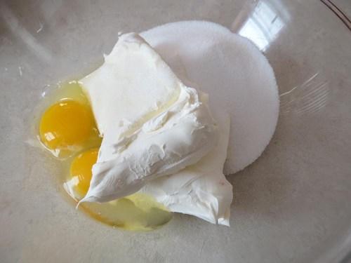cream cheese, eggs and sugar