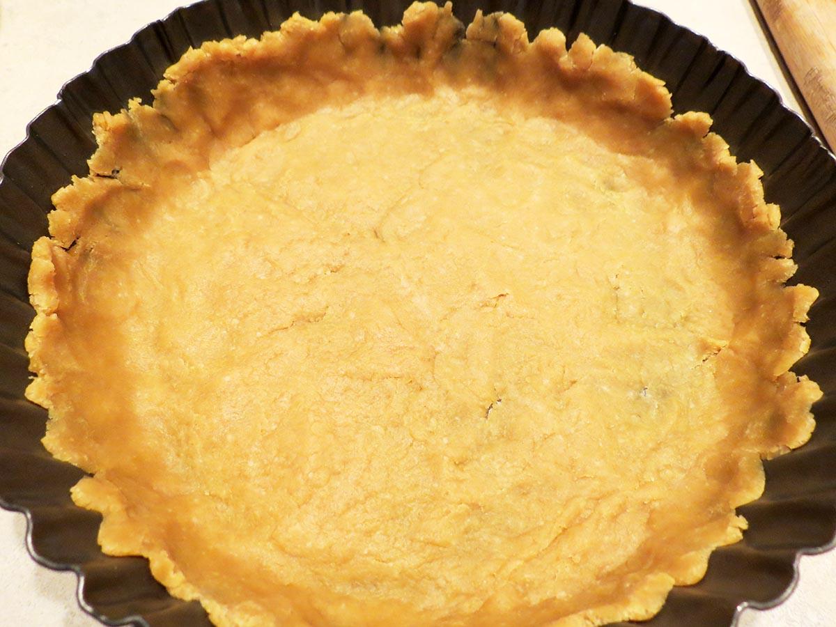 spread-dough-quiche