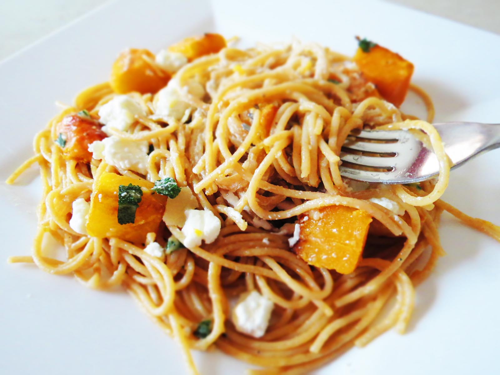 pasta-on-the-fork