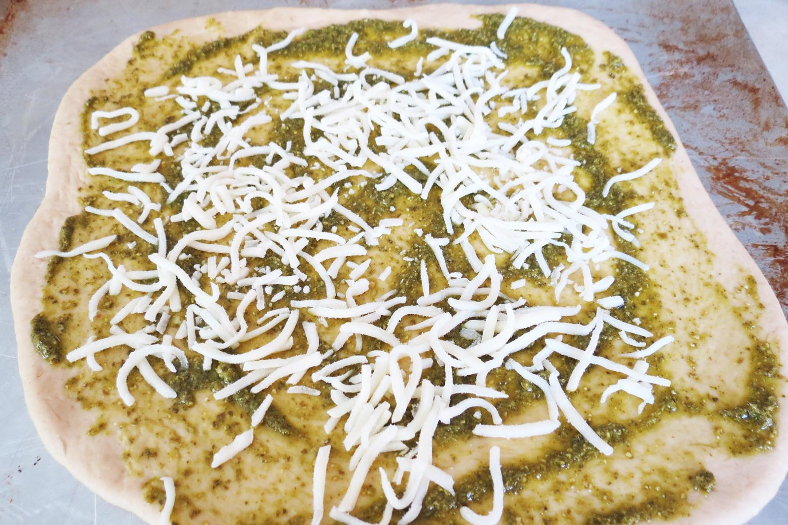 sprinkle-with-mozarella