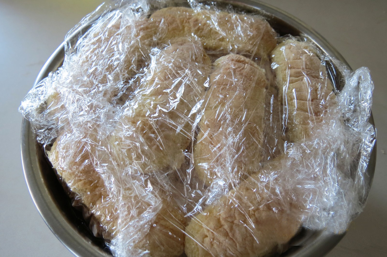 cake-wrapped-in-plastic