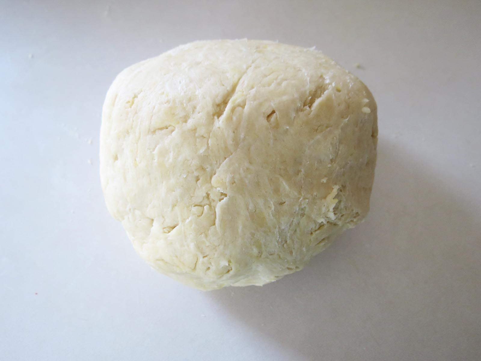rolled-dough-into-ball
