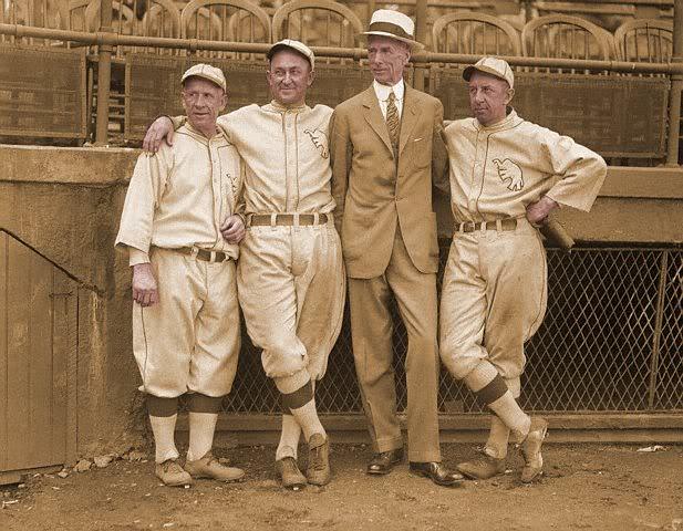 Why baseball managers wear uniforms - CNN.com