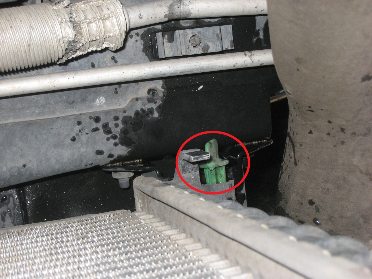 hight resolution of  5 drain coolant using green drain on bottom corner of the radiator use a catch pan and dispose of coolant properly